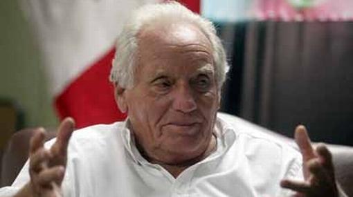 Arturo Woodman criticó a Manuel Burga por viaje a Sudáfrica