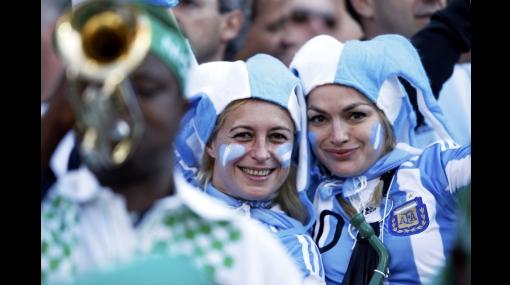 Ellas también lo disfrutan: el Mundial demuestra que el fútbol no es solo para hombres