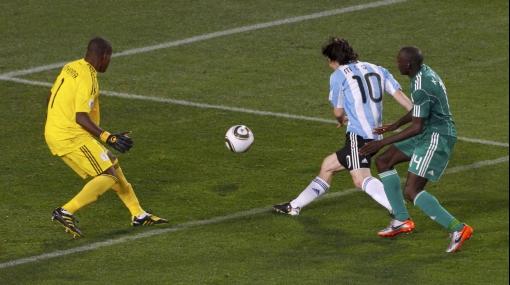 Lionel Messi nunca se olvidará del arquero nigeriano que le tapó de todo