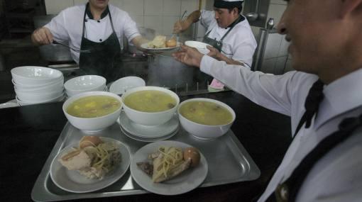 Sepa dónde probar uno de los mejores caldos de gallina de Lima