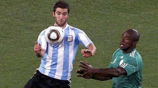 Higuaín falló varios goles ante Nigeria pero igual será titular mañana contra Corea del Sur