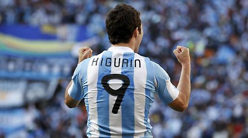De villano a héroe: Higuaín es el máximo anotador en lo que va del Mundial