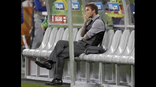 Un hincha se metió al vestuario y 'ajustó' a David Beckham por el empate de Inglaterra