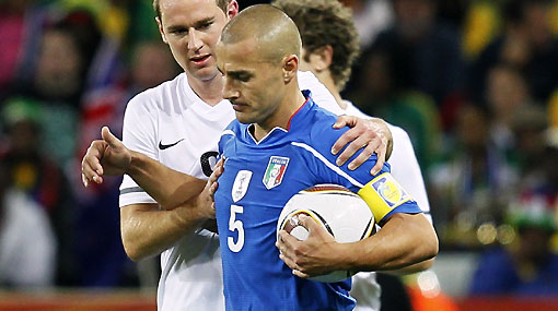 El campeón del mundo volvió a decepcionar: Italia empató 1-1 con Nueva Zelanda