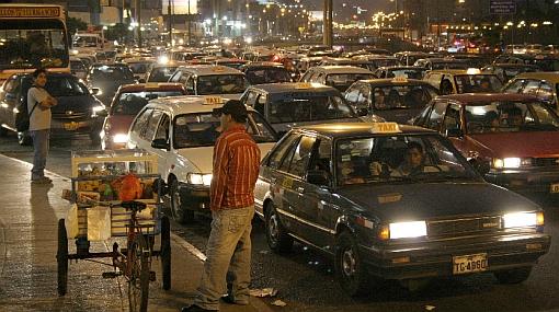 Tránsito e inseguridad se agravan en Lima, según encuesta de El Comercio