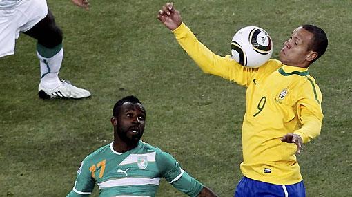 De la 'mano de Dios' a la 'mano santa': dos goles polémicos de los mundiales