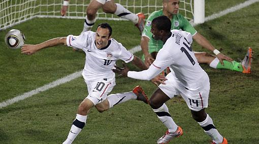 Estados Unidos venció a Argelia 1-0 en los descuentos y clasificó a octavos