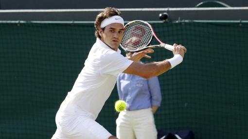 Federer ganó en Wimbledon y sigue adelante en la defensa de su título