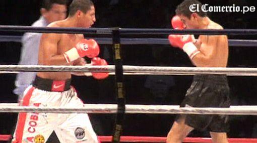 Jonathan Maicelo venció a su rival argentino en un intenso choque que se libró en 10 rounds