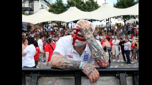 FOTOS: hinchas devastados por la eliminación de Inglaterra del Mundial