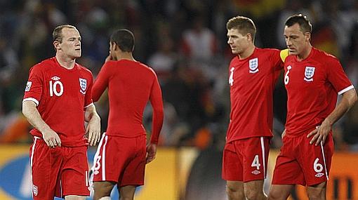 """La prensa inglesa considera que su selección """"defraudó al país"""" y exige la salida de Capello"""