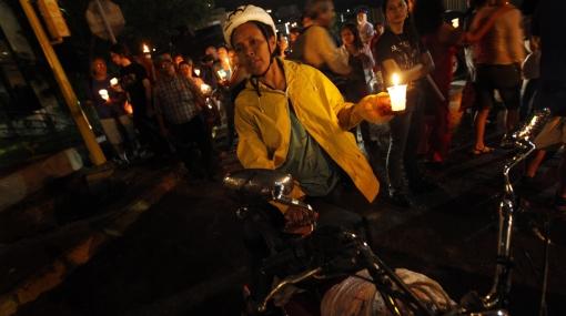 Miles de hondureños marcharon a un año del golpe de Estado contra Manuel Zelaya