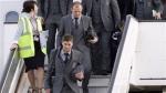 La selección inglesa llegó a Londres con las manos vacías y en silencio - Noticias de ledley king