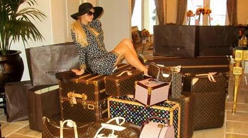 Paris Hilton hizo sus maletas y viajó a Sudáfrica para ver el Mundial