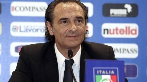 Ex técnico del 'Loco' Vargas asumió el mando de la selección de Italia