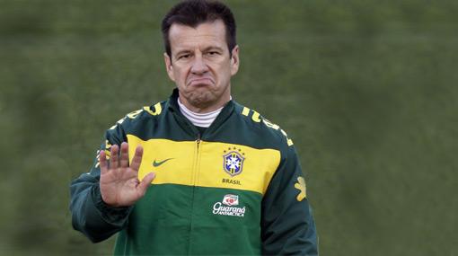 "Dunga respondió a Cruyff: ""Él no pagará por ver a Brasil porque la FIFA le regalará las entradas"""