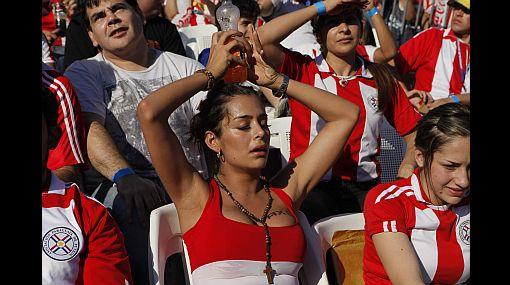 Las diosas también lloran: así sufrió Larissa Riquelme la derrota de Paraguay ante España