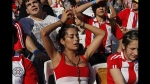 Las diosas también lloran: así sufrió Larissa Riquelme la derrota de Paraguay ante España - Noticias de desnuda