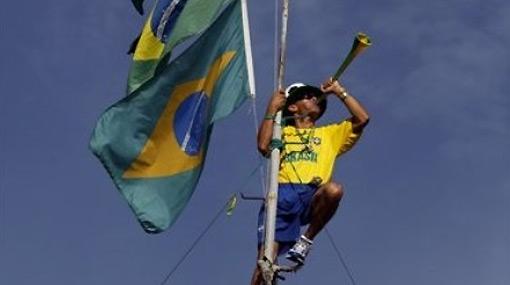 La eliminación de Brasil dejó pérdidas de 48 millones de dólares en banderas, camisetas y vuvuzelas