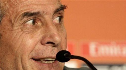 """Oscar Tabárez respondió molesto: """"Uruguay no hace trampa"""""""