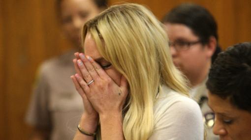 Jueza envía a Lindsay Lohan a la cárcel por violar orden judicial