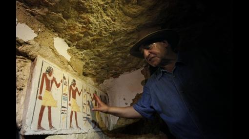 Hallan tumbas egipcias de 4.300 años que conservan intactos sus colores