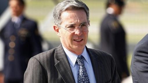 Álvaro Uribe será investigado por escándalo de espionaje telefónico