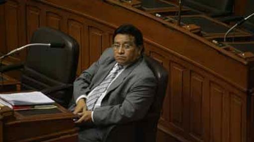 Congresista pide más de un millón de soles de indemnización por tiempo que estuvo suspendido