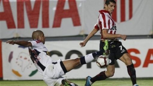 ¡Qué tal trueque! Estudiantes de la Plata pidió a Joel Sánchez o Tragodara por Édgar González