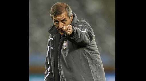 Dará el sí: Tabárez anunció su deseo de seguir al frente de la selección uruguaya