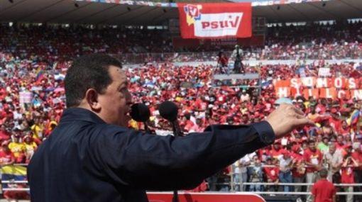 Hugo Chávez amenazó con suspender los envíos de petróleo a EE.UU.