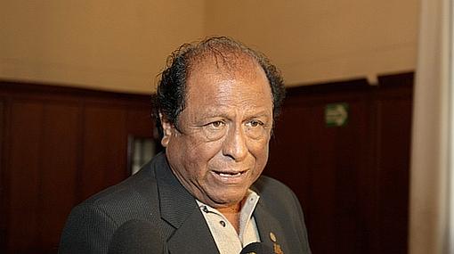 """Hugo Ordóñez llamó """"revancha política"""" que el presidente Alan García no mencione a Tacna en su mensaje"""