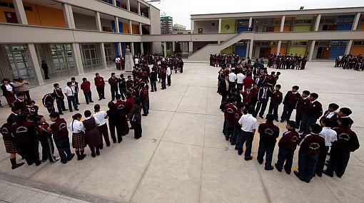 Ministerio de Educación amplió el horario de clases en dos colegios emblemáticos