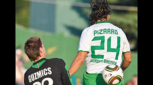 Una mala y una buena: Werder Bremen con Pizarro perdió en amistoso pero Barros fue titular