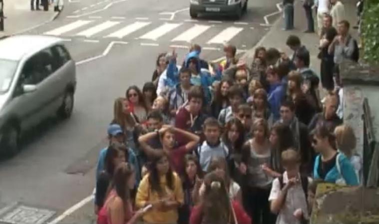 Una cámara muestra en vivo a la famosa calle Abbey Road