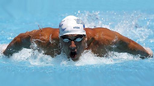 Michael Phelps se olvidó de los escándalos y volvió a batir un récord