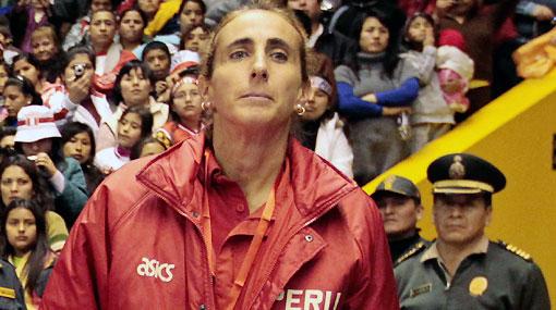 La Federación Peruana de Vóley respaldó la 'mano dura' de Natalia Málaga