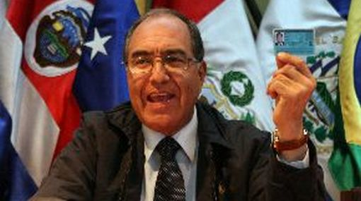 Candidatura de Carlos Roca se mantiene, según el Jurado Electoral Especial