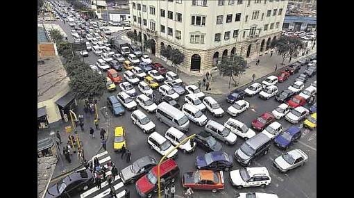 Caos vehicular es un infarto a diario en el corazón de Lima
