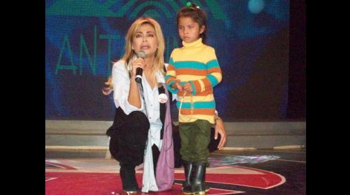 Gisela Varcárcel prefirió donar dinero a la Teletón que besar a Roberto Martínez
