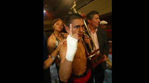 Un campeonato nada 'Chiquito': Alberto Rosell peleará por el título supermosca de la AMB
