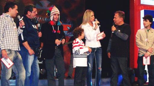 FOTOS: artistas y conductores de TV participaron de la Teletón 2010