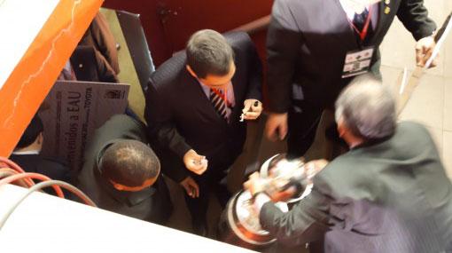 El trofeo de la Copa Libertadores se desarmó antes de ser entregado al Inter