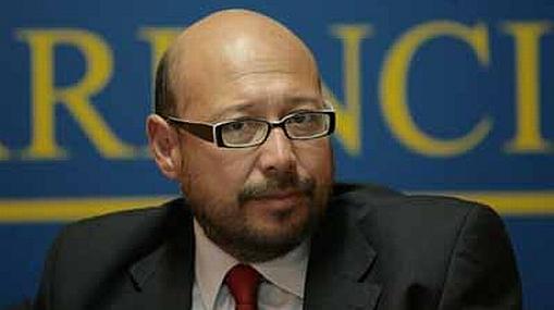 Asociación Transparencia descarta organizar debate entre Flores Nano y Villarán