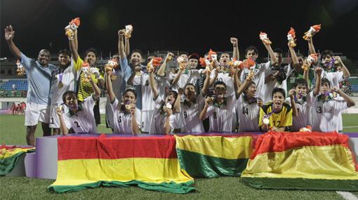 Selección boliviana campeona en JJ.OO. de Singapur habría usado documentos falsos