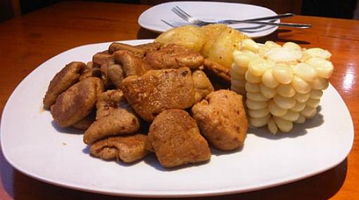 Novedad vegetariana: un restaurante que vende comida criolla y chatarra