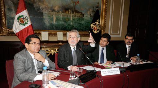 Felipe Ortiz de Zevallos planteó una reforma tributaria consensuada