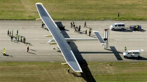 Avión solar daría la vuelta al mundo en el 2013