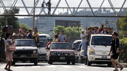 """Protesta de las peligrosas """"maras"""" paraliza a El Salvador"""