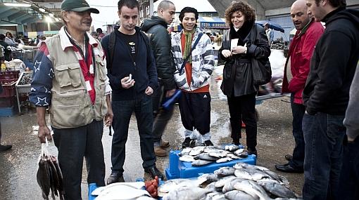 En busca de productos para El Bulli: reconocido chef español visitó terminal pesquero